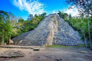 Nohoch Mul piramis